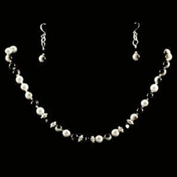 Black & Silver Pearl Necklace & Earrings 37-4090